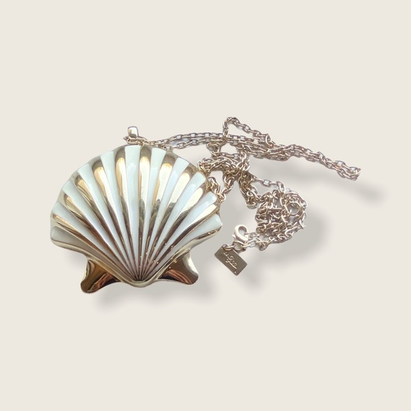 Lilly Pulitzer Shell Yeah Bottle Opener Necklace
